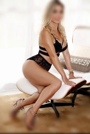 Sheryl adult dating in Atwater California