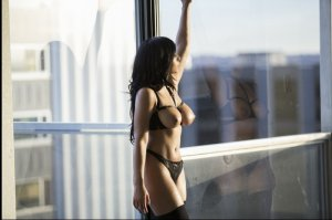 Amelle adult dating in Ontario